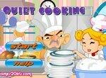 Помощник шеф-повара моет посуду и готовит