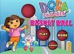 Даша играет в баскетбол