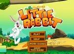Маленький кролик собирает морковку