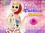 Дизайнер Барби создает модные образы