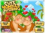 Поцелуй очаровательных обезьянок