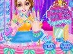 Принцесса в маникюрном спа-салоне