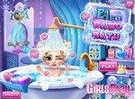 Пенная ванна для малышки Эльзы
